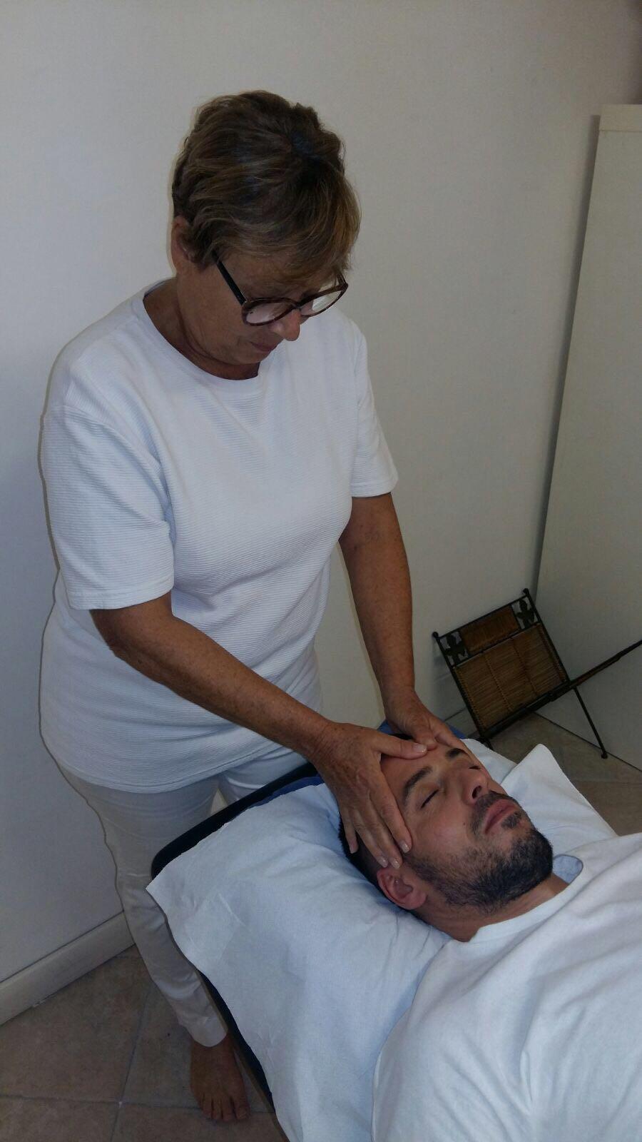 Sandra Sasso Shiatsu practitioner, Emotional Reflexology practitioner and Reiki practitioner in Kelowna, Canada